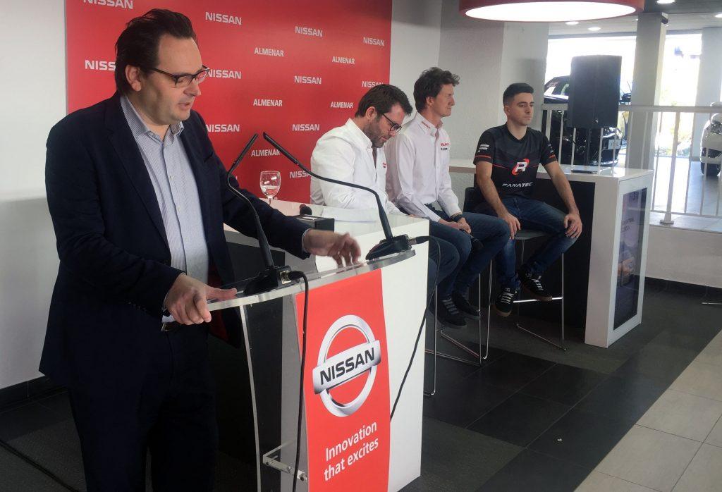 El gerente Nissan Almenar, Sergio Torregrosa, durante su discurso.
