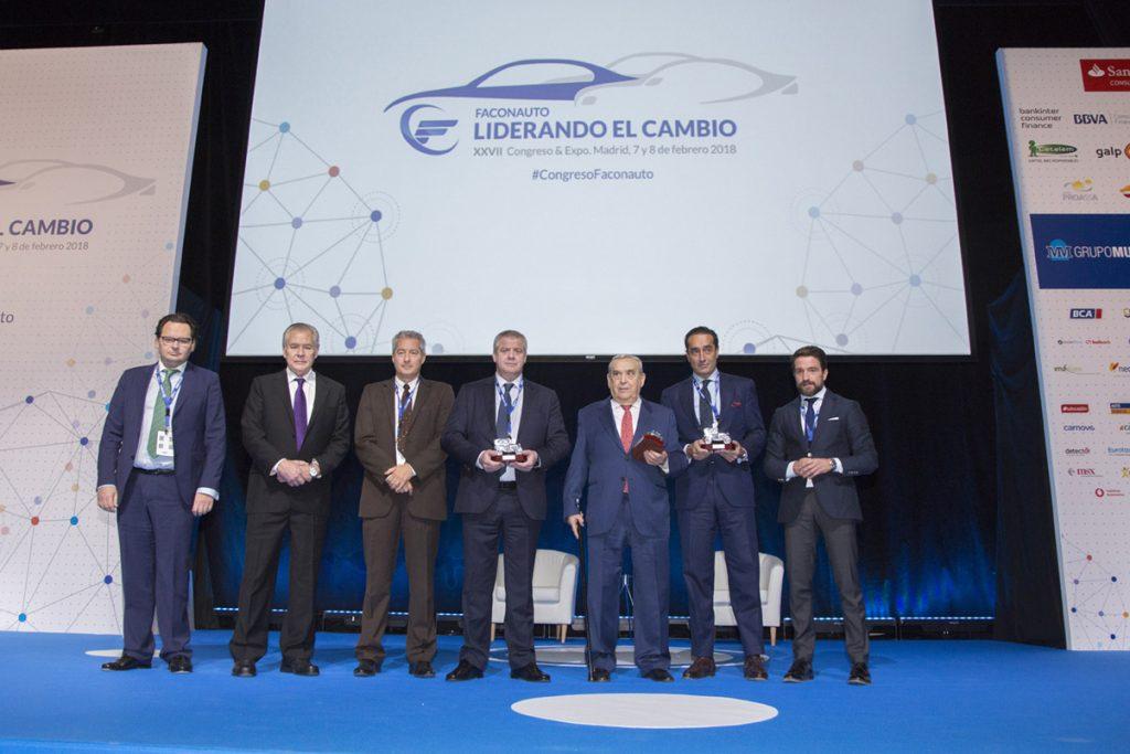 Foto de familia de los premiados, con Sergio Torregrosa (primero por la izquierda).
